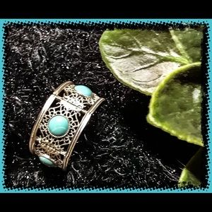 Faux Turquoise and Silver Toned Stretch Bracelet
